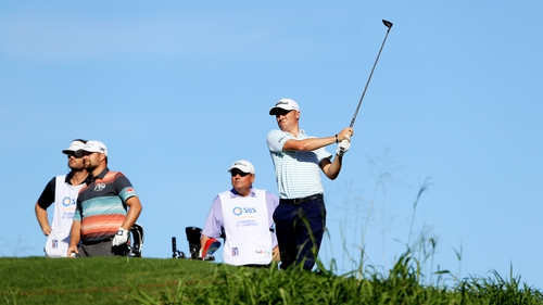 Justin Thomas holds a share of the lead in Hawaii