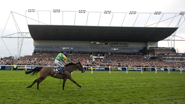Ruby Walsh riding Kauto Star wins the King George VI Steeple Chase in 2011