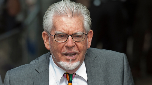 Rolf Harris 'indecently assaulted girl after autograph request'