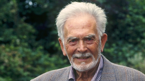 Irish actor and director Barry Cassin has passed away, aged 92