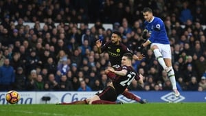 Kevin Mirallas scores Everton's second goal against City