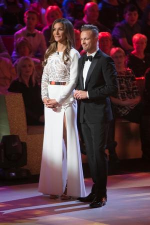 Week 1: Host Amanda Byram and Nicky Byrne - #wewant that dress.
