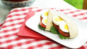 OP Trans: Mediterranean Breakfast Pitta, Servings: 1  Calories per portion: 250.