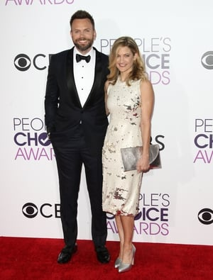 Actor and comedian Joel McHale and wife Sarah Williams keep it simple yet stylish and it works!