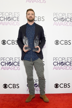Double trouble - Justin Timberlake went for a very relaxed 'oh-its-on-tonight?!' look as he picked up two awards on the night for Favourite artist and song for Can't Stop the Feeling