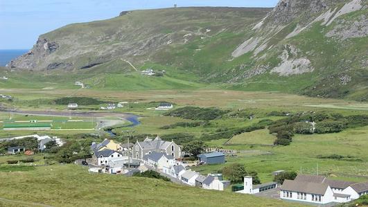 Aisling Ni Churraighin, Oifigeach Pleanáil Teanga Gleann Cholm Cille, Cill Chartha agus Ard an Rátha.