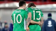 Jeff Hendrick (r) really wants his pal Robbie Brady at Burnley