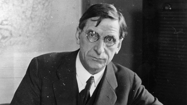 By Eamon de Valera's return from America on 23 December, 1920, Secretary of State for Ireland Hamar Greenwood was describing De Valera as 'the one man who can deliver the goods'