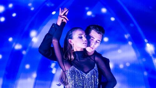 Dancing with the Stars: Thalia battles broken ribs