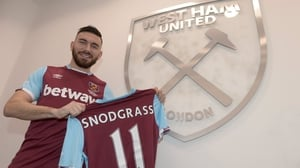 Snodgrass with his new jersey