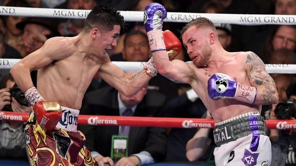 Carl Frampton (R) was unable to pin down Leo Santa Cruz at the MGM Grand Garden Arena