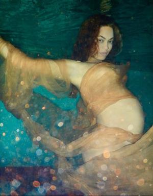 Beyonce's stunning underwater pregnancy shoot