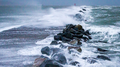 Waves breaking at Poolbeg in Co Dublin (Pic: John Coveney Photography)