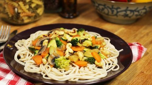 Meat-Free Week! Sweet n' Sour Cashew Nut & Vegetable Stir Fry