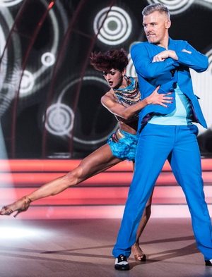 Week 5: Des Bishop's blue suit did Bruno Mars proud as he brought some uptown funk to the cha cha.