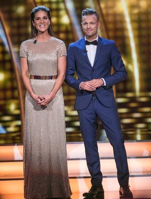 Week 5: Hosts Amanda Byram and Nicky Byrne looked fantastic as ever. Amanda's dress is from Escada. #AwardWorthy