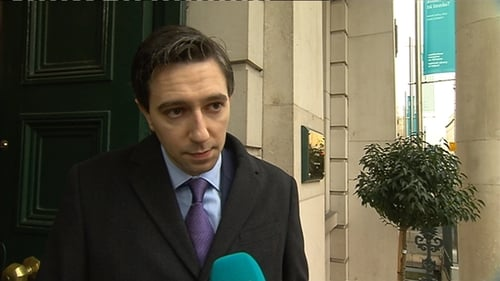 Simon Harris said that 1,000 more nurses need to be hired to be able to open the extra beds
