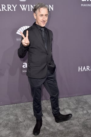Actor Alan Cumming looked suave in all black everything.