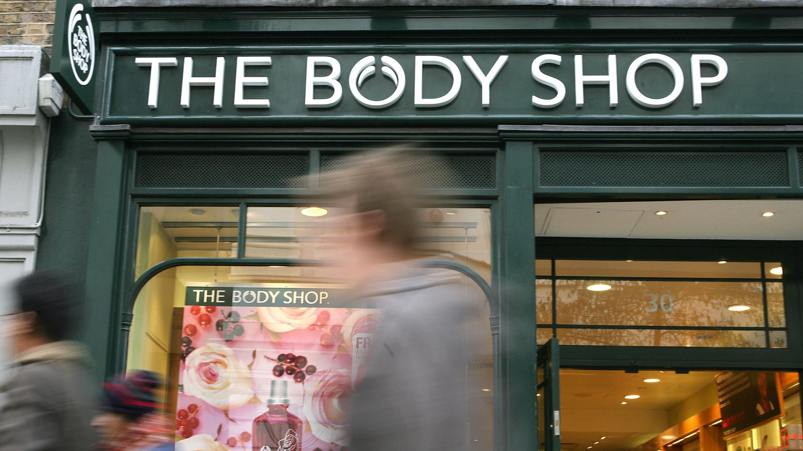 L'Oreal considers Body Shop sale