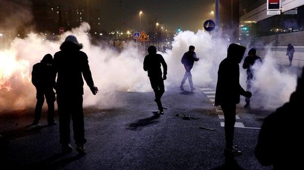 Riots in Paris suburb