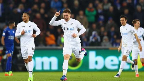 Alfie Mawson celebrates his goal