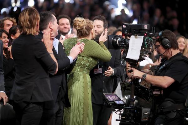 Adele with husbandSimon Konecki