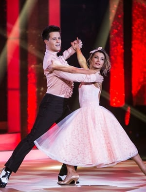 Week 6: Dayl and Ksenia looked pretty in pink for their foxtrot to Marvin Gaye. We are so in love with Ksenia's skirt.