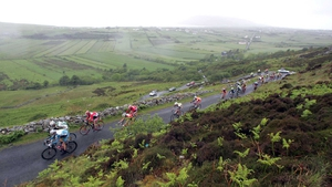 Rás riders ascend Mamore Gap in 2007