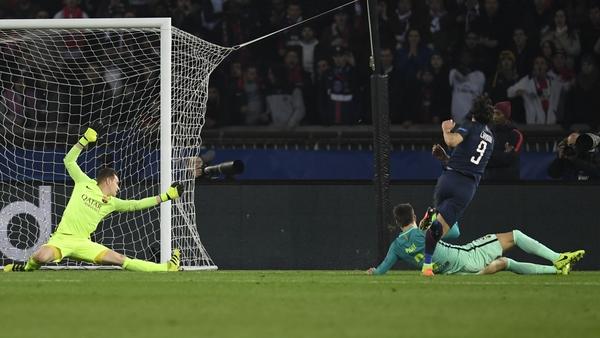 Edinson Cavani scores PSG's fourth goal