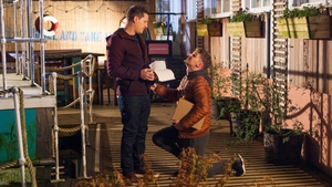 Ste tries to prove to John Paul that he's romantic