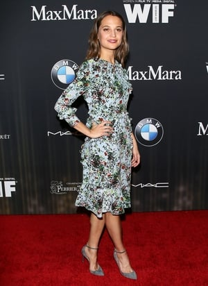 Alicia in a spring mood that suits her perfectly with this Erdem floral dress at the Women In Film Pre-Oscar Cocktail Party 2016.