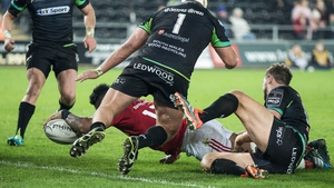 Francis Saili touches down for Munster approaching half-time