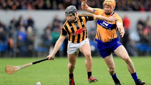 Clare's Cian Dillon tries to get to grips with Richie Hogan