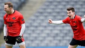 Darran O'Sullivan (L) celebrates his goal
