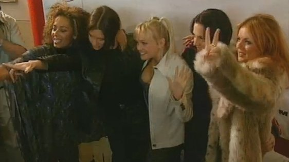 Spice Girls in Dublin Airport (1997)