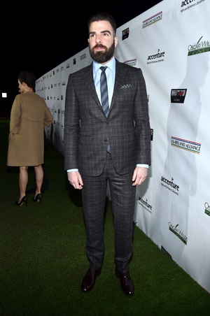Zachary Quinto knows how to wear a suit. He looked exceptionally slick at the awards last night.