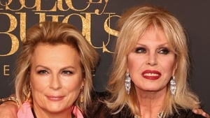 Saunders with co-star Joanna Lumley -