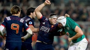 France's Guilhem Guirado and Rory Best exchange pleasantries