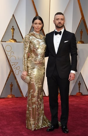 Justin Timberlake and Jessica Biel are quite the power couple on the red carpet. Jessica is wearing Kaufman Franco and Tiffany & Co. jewelry.