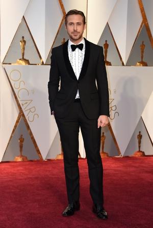 Nominee for Best Actor 'La La Land' Ryan Gosling rocks a retro frilled shirt.