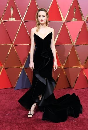Brie Larson wore a dramatic v-neck with this impressive Oscar de la Renta number.