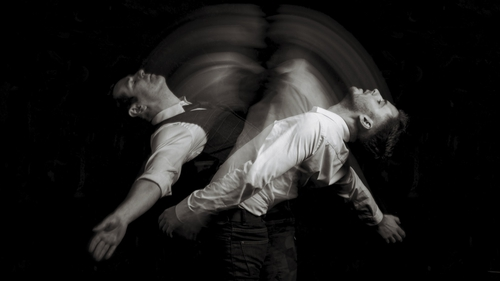 Breandán de Gallai and Nick O'Connell star in Ériu's new production Lïnger.