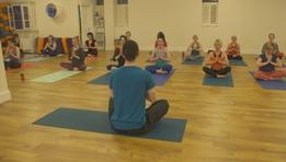 Random Acts as Gaeilge: Óga Yoga