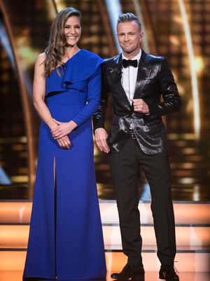 Week 9: Hosts Amanda and Nicky looked extra snazzy this week in sequins and frills. Amanda wore a Umit Ktutluk dress.