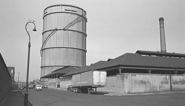 The gasometer at the corner of Cardiff Lane and Misery Hill 1971 .  Photographer Eve Holmes.
