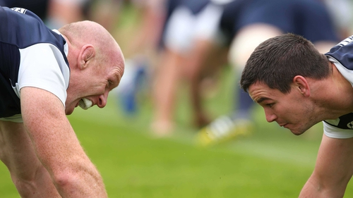 Paul O'Connell (L) gave Jonathan Sexton some words of wisdom in his injury battle