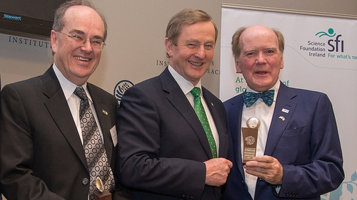 (L-R) Prof Adrian Raftery, Taoiseach Enda Kenny and Dr Pearse Lyons