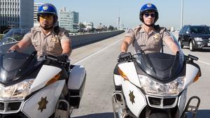 Michael Peña and Dax Shepard