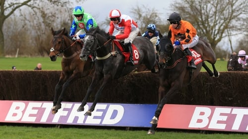 American (left) en route to winning for Noel Fehily