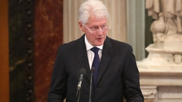 Former US President Clinton gives eulogy